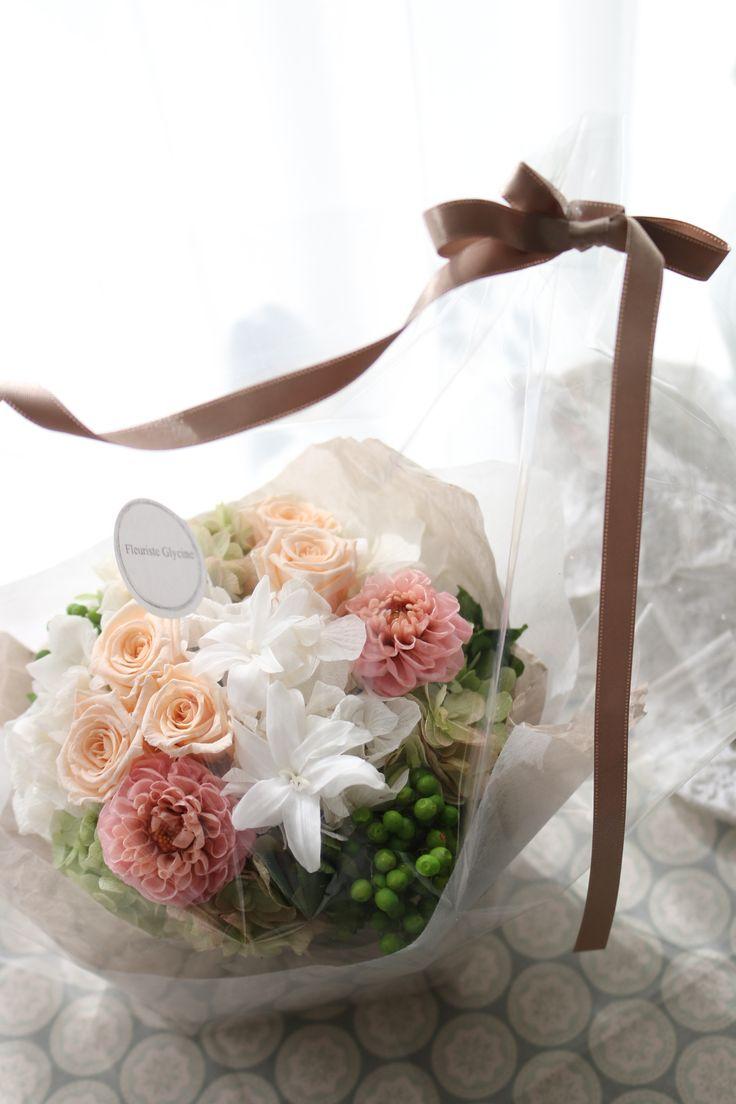 Preserved flower peachピーチ色のプリザーブドフラワーアレンジメント  http://www.fleuriste-glycine.jp/