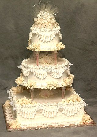 1000 images about wedding cakes on pinterest old fashioned wedding cakes and sugar flowers. Black Bedroom Furniture Sets. Home Design Ideas