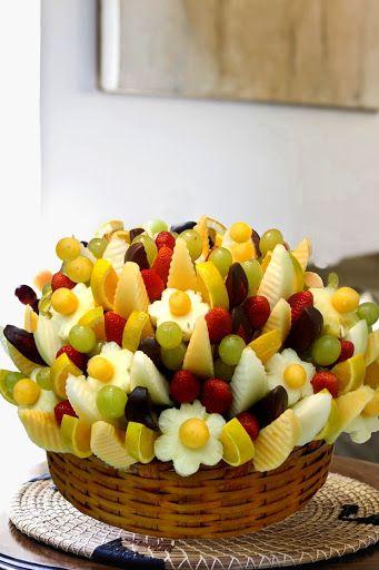 cesta de flores de frutas