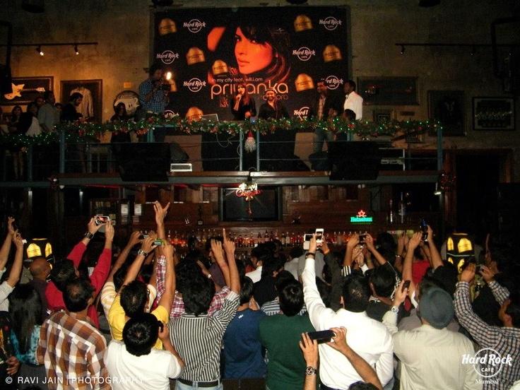 Crowd frenzy at Hard Rock Cafe Mumbai as Priyanka Chopra takes the stage
