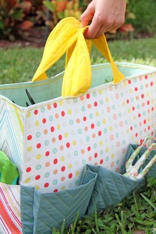 A full sewing tutorial in PDF format for the Hana Gardening Bag by Pat Bravo. A simple, quilty-cute, functional, and versatile garden tote bag.  Pat Bravo designed this tote as a gardening bag, but...