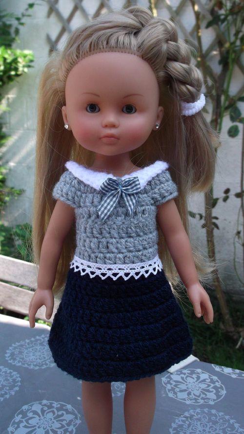 Robe pour Marguerite + tuto - http://lespetitsdoigtsdenelle.eklablog.com/robe-pour-marguerite-tuto-a99323377