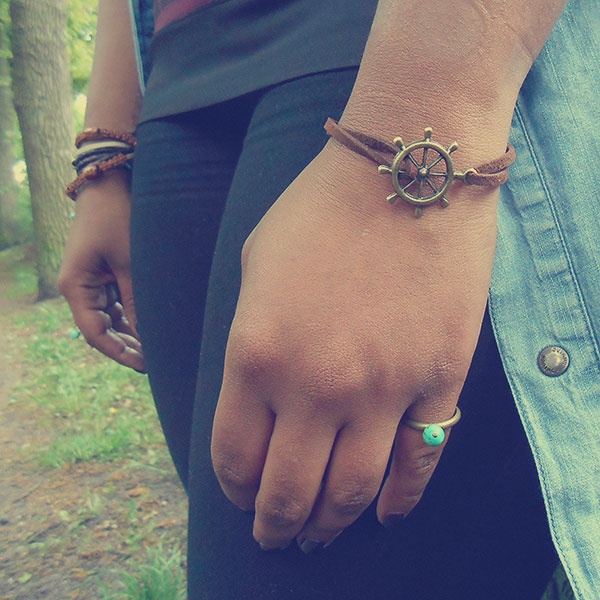 Bracelet Ahoy and ring Summer by Indica Jewelry, worn by Suzanne