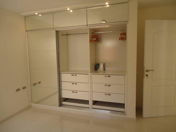 closet melamina y puertas con espejo....hecho a medida.