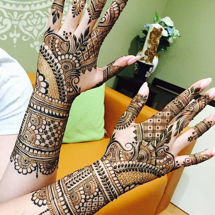 mehndi ceremony at mehndi night on wedding by professional