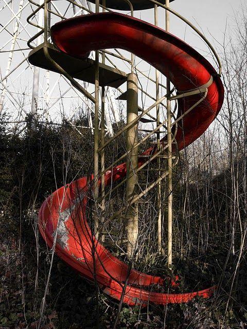 Google Image Result for http://cdn2.gunaxin.com/wp-content/uploads/gallery/abondoned-amusement-parks/abandoned-amusement27.jpg