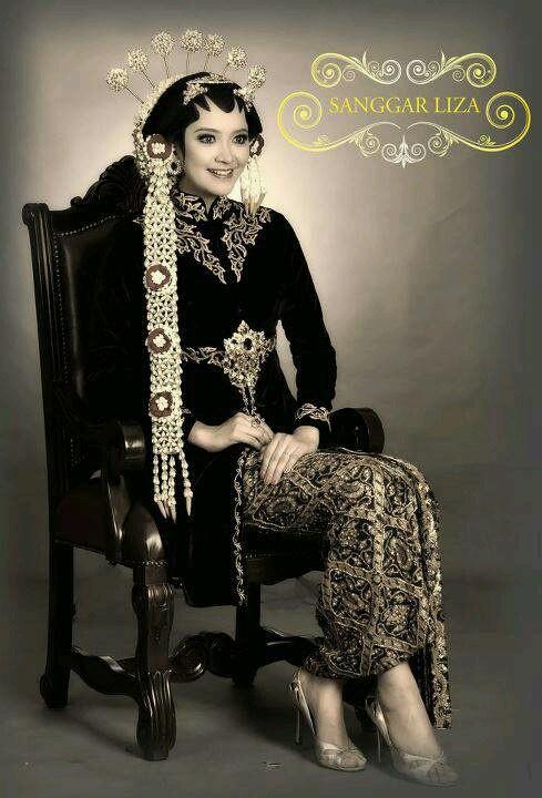 Classic Wedding Kebaya
