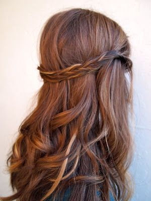 Auburn copper hair with pretty ribbon highlights. --love this hair color!