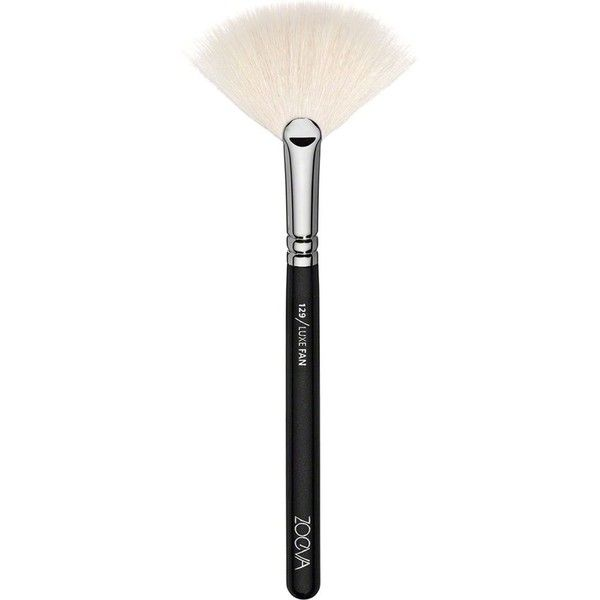 ZOEVA 129 Luxe Fan Brush ($15) ❤ liked on Polyvore featuring beauty products, makeup, makeup tools, makeup brushes, brushes, filler, zoeva, fan brush, fan makeup brush and zoeva makeup brushes