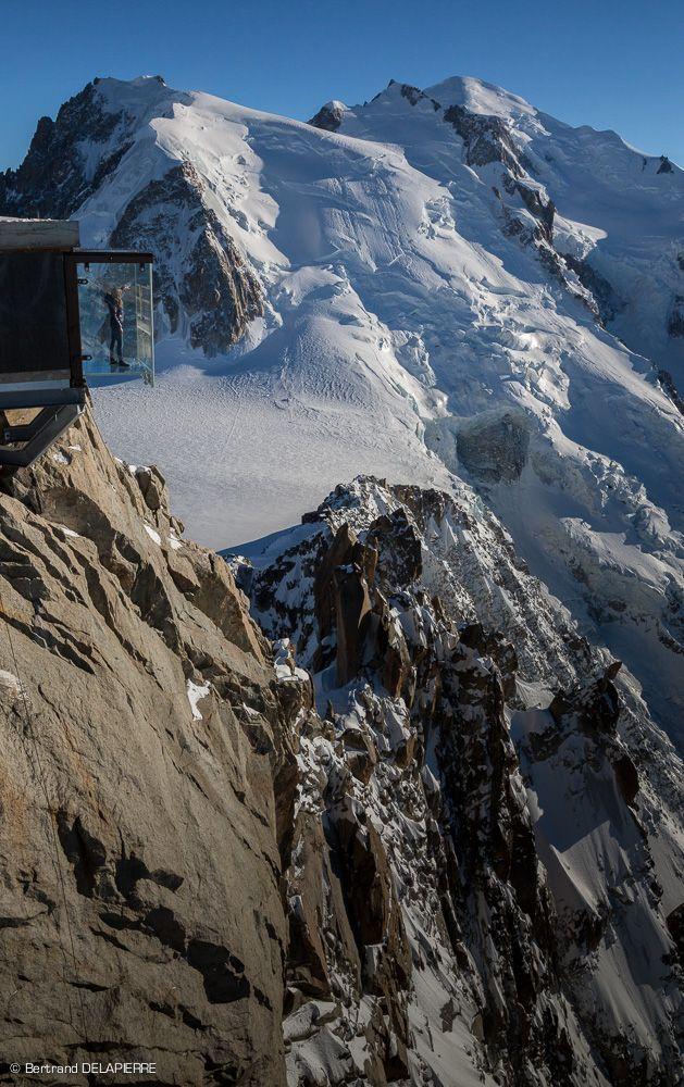 Pas dans le vide - Aiguille du Midi Chamonix Mont Blanc -Haute Savoie