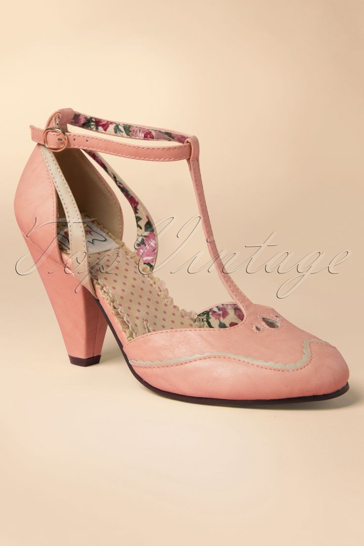 Bettie Page Shoes - 40s Annalise T-Strap Pumps in Pink