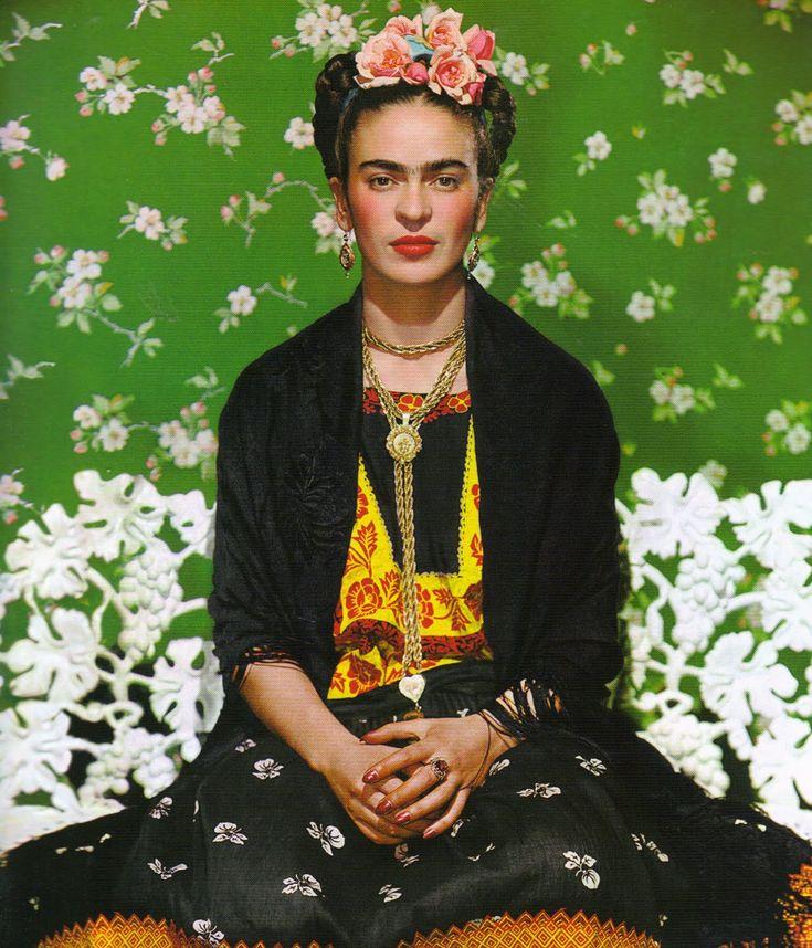frida kahlo fashion | cette artiste peintre méxicaine, à la beauté étrange et haute en ...