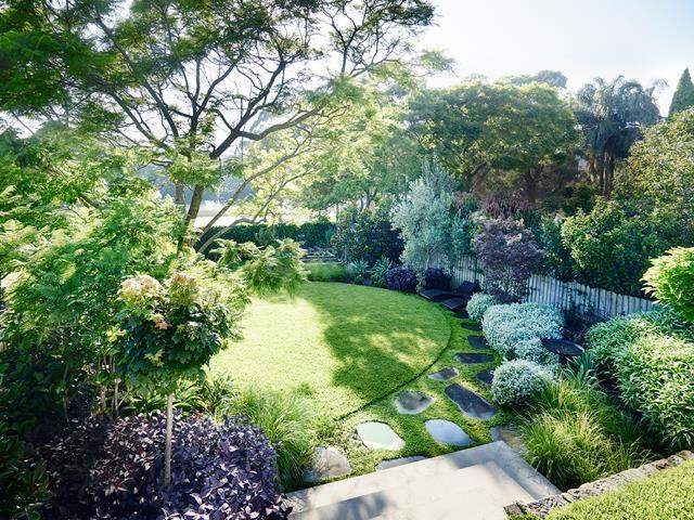A Lush Entertainer S Garden In Sydney S Inner West Entertaining Garden Garden Landscaping Dream Garden