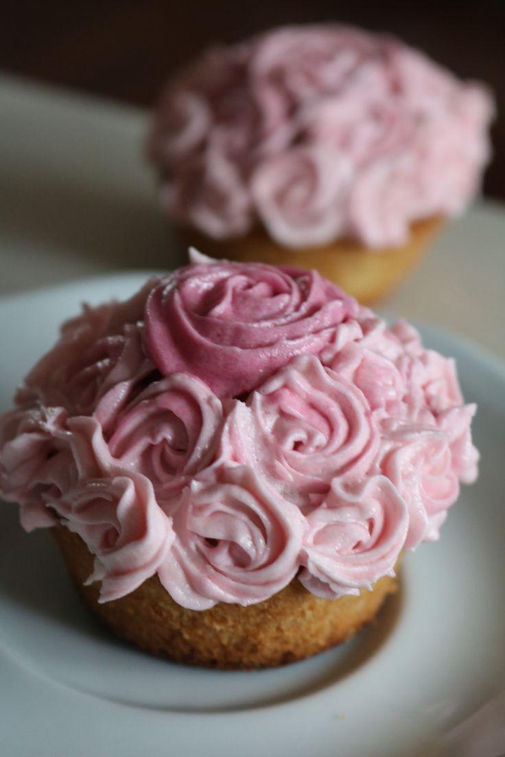 Buttercream Swirl Rose Decorated Cupcakes