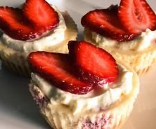 Recipe Mini raspberry cheesecakes by Thermomixing it up - Recipe of category Baking - sweet