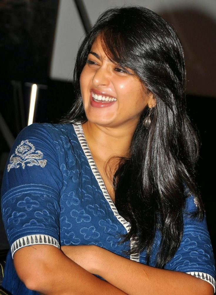 Tollywood Actress Anushka Shetty Hot Smiling Face Photos In Blue Dress