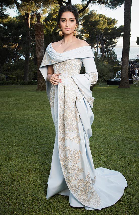 Sonam Kapoor, en la gala amfAR de Cannes 2016