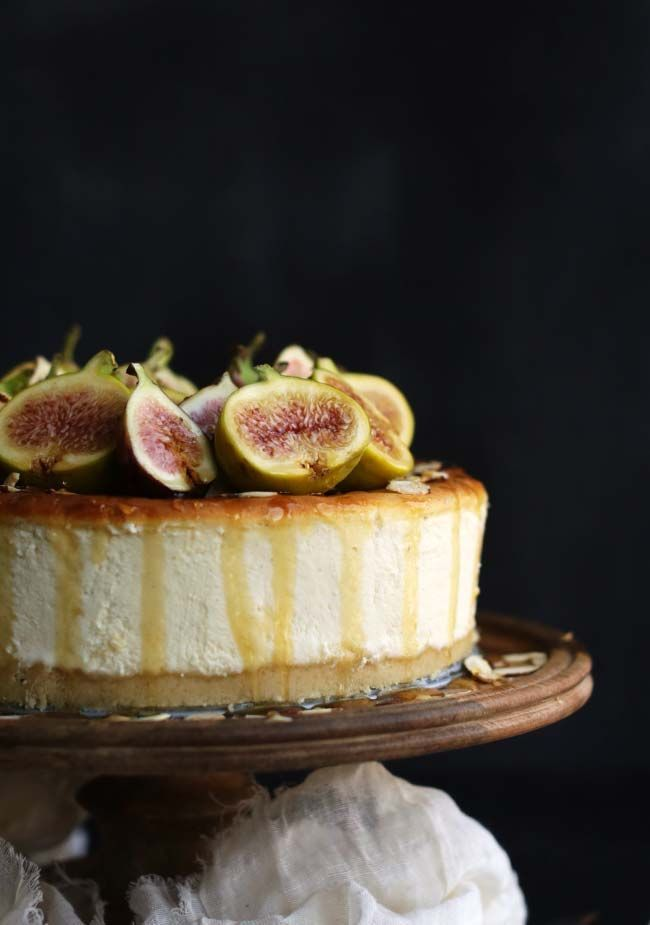 Sink your teeth into this deliciously tempting Italian Ricotta Cheesecake Recipe with Fresh Figs and Honey!