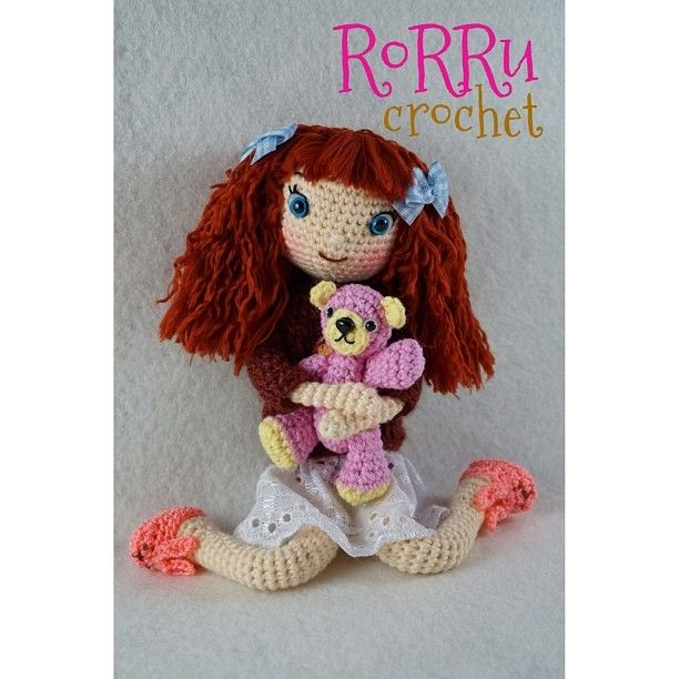 Good day fellas.... How's your monday? Wish y'll have a nice day #wink #amigurumi #amigurumidoll #amidoll #doll #crochet #instacrochet #crochetagram #dollhair #hair #cute #teddybear #cuddlybear #cuddle #hug #bestfriend #friend #toy #girly #rajutan #bonekarajut #boneka #handmade #senirajutboneka #senirajut #seni #craft #Padgram