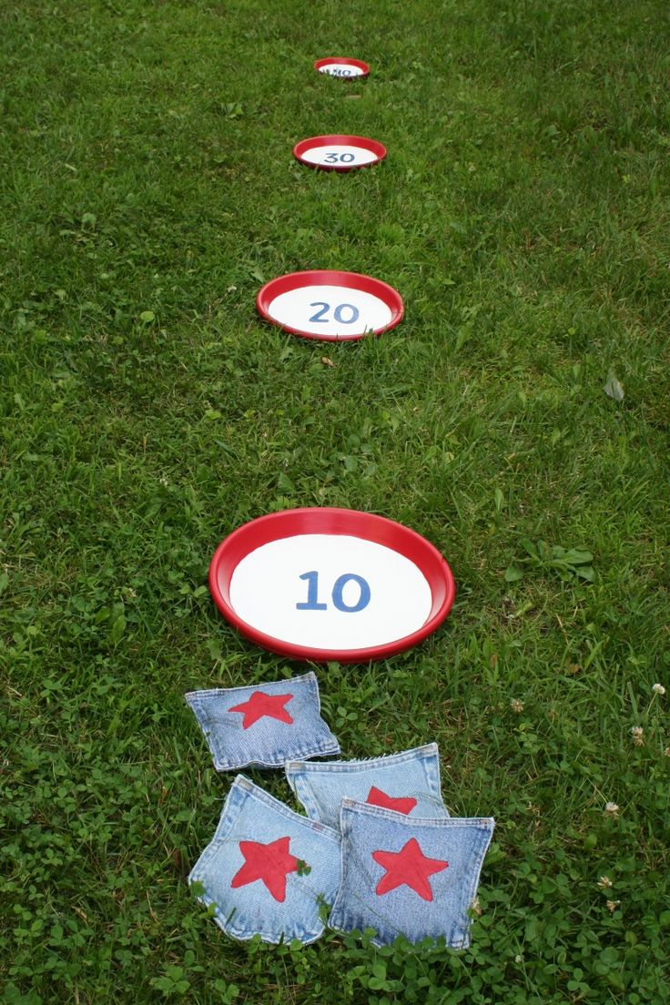 Fun beanbag toss game... Could make for Letters, #'s Colors, Shapes, etc.