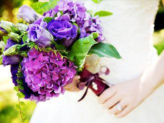 Bouquet en Tonos Morados -- Fotografía: Erin Volante