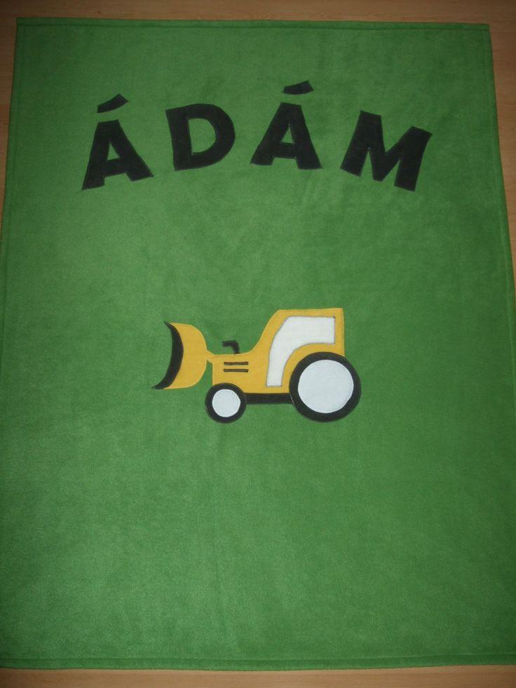 Névre szóló takaró markolós mintával / Personalised blanket
