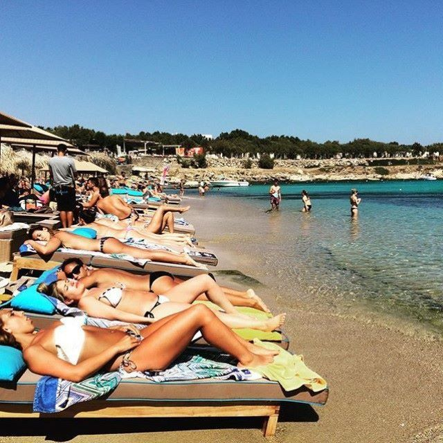 #Soaking up the #sun and #live the real #beach #life at #Kalua !!!   #gmorning #relax #sunny #day #blue #sea #gold #sand #hot #girls #love #beachlife #paragabeach #kaluabeach #summertime #visit #Greece #exotic #island #Mykonos #joinus #kaluamykonos