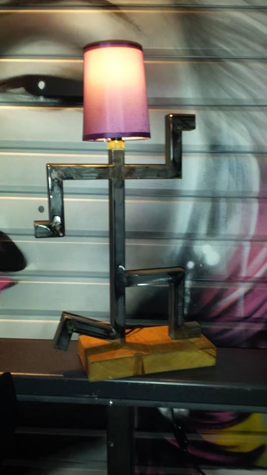 Plus de 1000 id es propos de industriel vintage design for Lampe sur pied style industriel