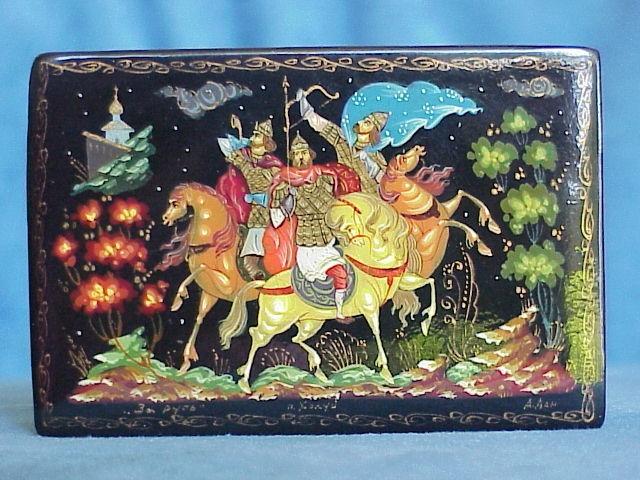 Russian lacquer box from Kholui