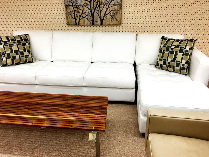 White Ellis Brothers Living Room Set