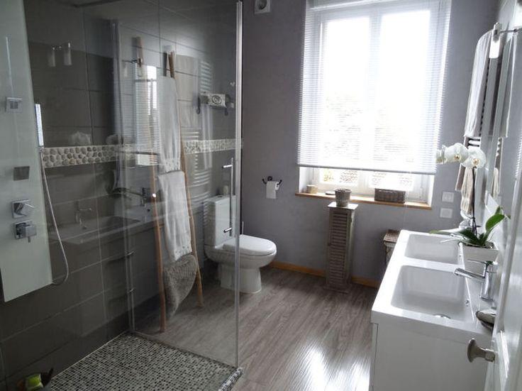 On craque toutes pour une douche à l'italienne, à la fois pratique et déco. En images, différentes suggestions vous inciteront à adopter définitivement cette tendance, avant de refaire votre salle de bains.