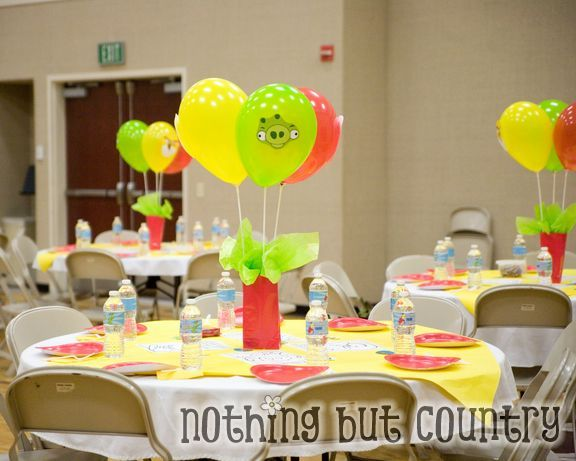 15 best balloon stick centerpiece images on pinterest for Helium balloon decoration