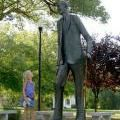 Top Things to Do Around Alton, Illinois: Size Up the Robert Wadlow Statue