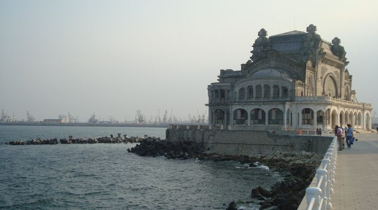 Casino de Constanta, aan het meer.