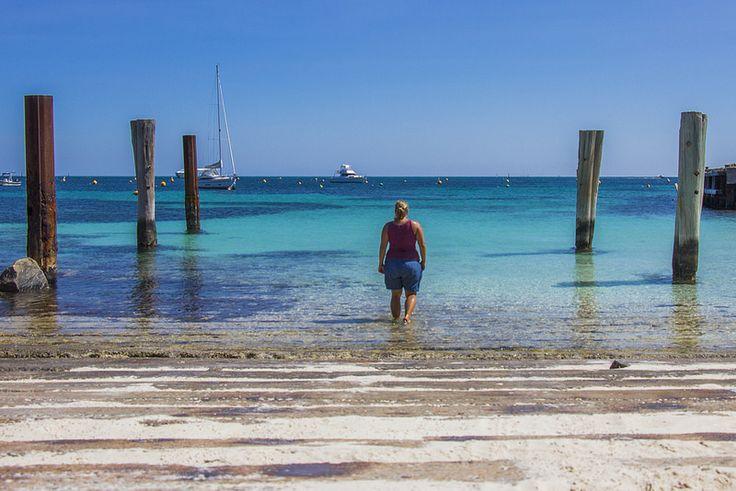 Rottnest Island er den oplagte endagtur fra Perth med vidunderlige naturoplevelser. Læs om mine oplevelser på Rottnest Island og få tips til din tur!