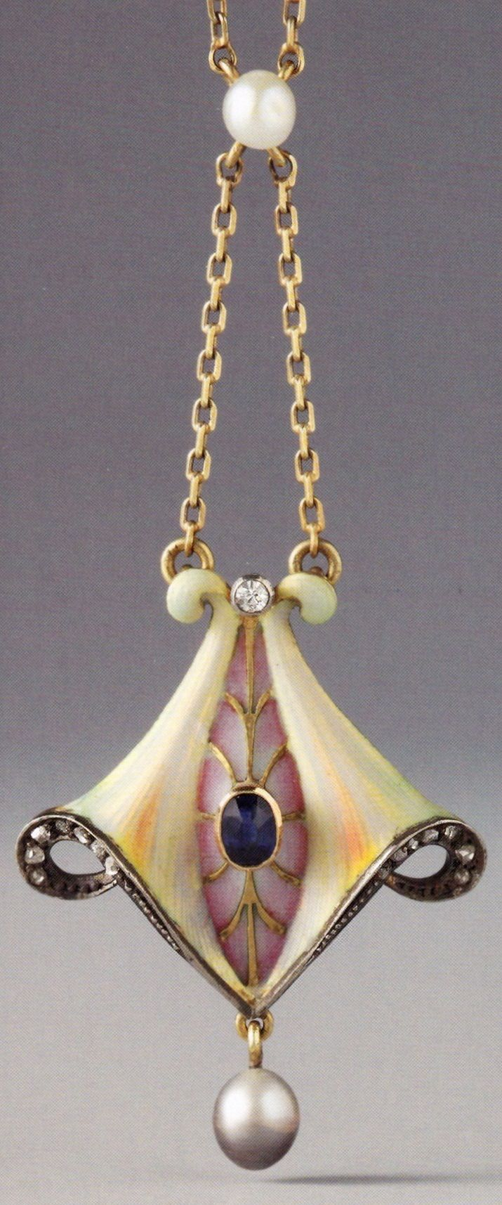 A Jugendstil / Art Nouveau pendant, German, 1903-1910. Composed of gold, silver…