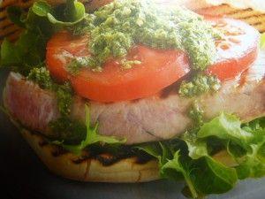hamburger di  tonno fresco - nel panino