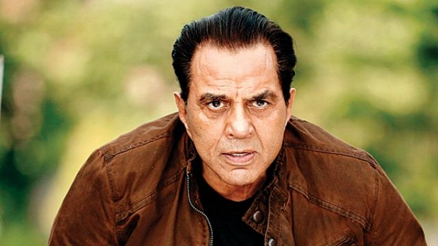 Dharmendra Upcoming Movies List Bollywood movie review gifts the total list of Dharmendra upcoming movies within the 2017 & 2018 with their release date. In this, we part the total list of Upcoming Hindi movies of Dharmendra plus other principal person forged title and every other particulars admire the director, producer, release date and…