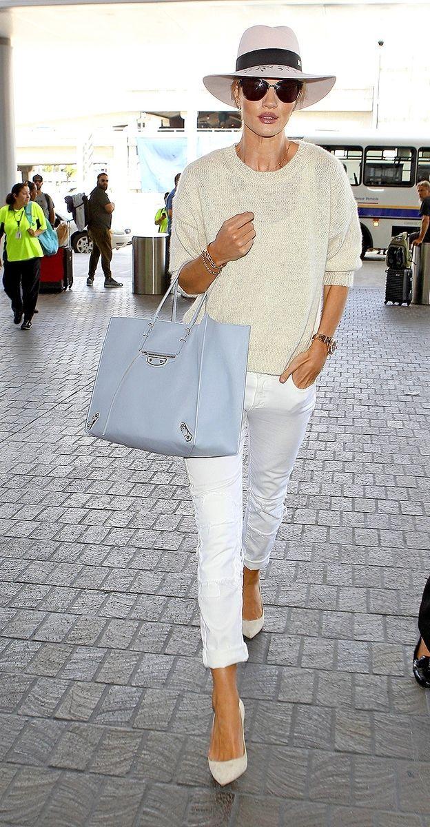 Perfektný outfit pre každý vek? Ulovte si biele nohavice, dokážu s vašou…