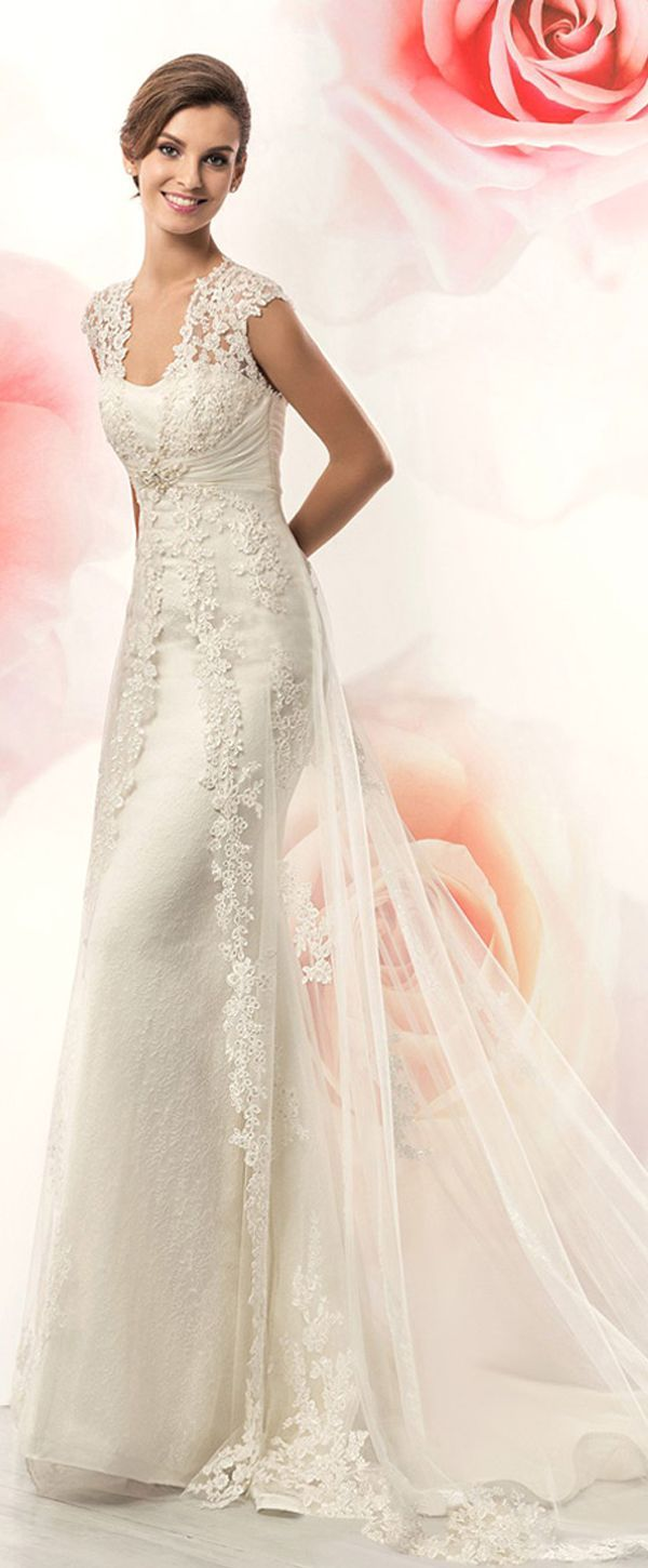 Junoesque Tulle Scoop Neckline Sheath Wedding Dresses With Lace Appliques