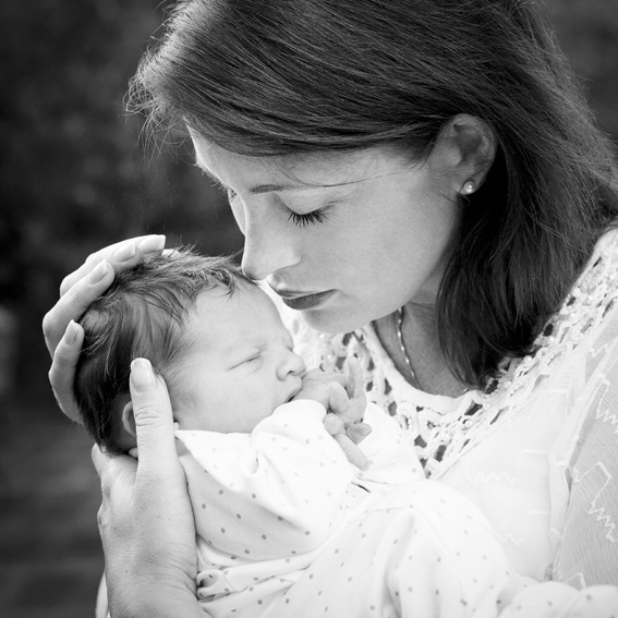 Beautiful Carolina Gynning with baby Alicia. Photo: Kate Gabor