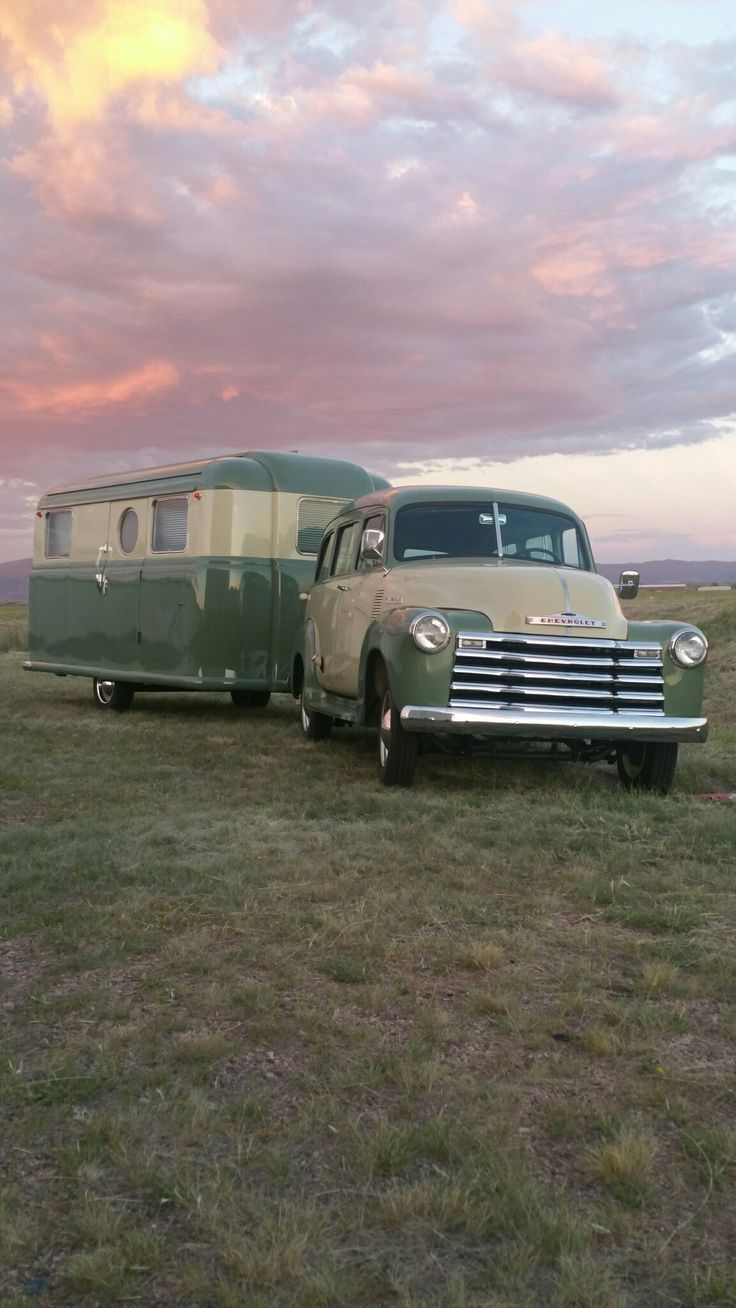 Streamline trailer pulled by 1940-50 Chevy Suburban