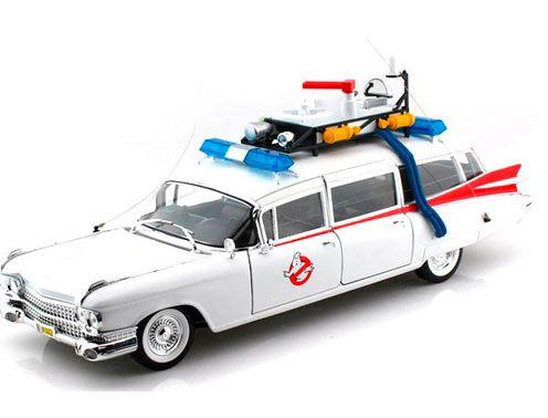 Coche Ecto-1 Los Cazafantasmas (Ghostbusters), Escala 1/18 Hotwheels Réplica a escala 1:18 del coche ECTO-1, el cadillac de 1959 utilizado por Los Cazafantasmas.