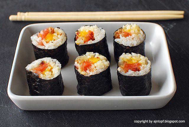 eintopf: sushi z wędzonym łososiem, mango i karmelizowaną c...