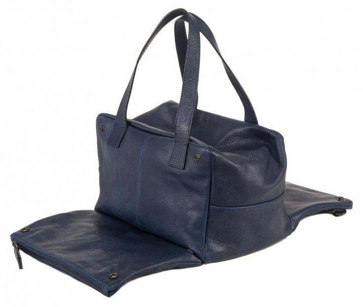 www.desireelupi.com /// CECILIA _ col. Blue/indigo Cube&Cute, Cecilia is a special bag: can be a handbag or a shoulder bag or also turn into a pochette, just removing and joining the two front pockets. 100& genuine leather & handmade in Italy