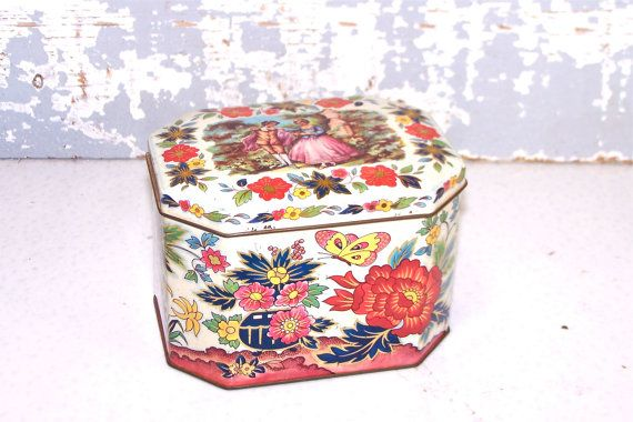 Tin Tea Container Made by Daher Company Made by SexyTrashVintage