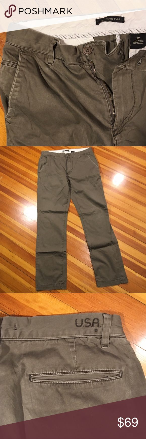 John Varvatos Star USA Straight Leg Chinos These Olive Green Size 32/32 Men's Star by John Varvatos USA Straight Leg Chinos are in great condition. Extremely comfy light weight chinos perfect for the upcoming spring months. John Varvatos Pants Chinos & Khakis