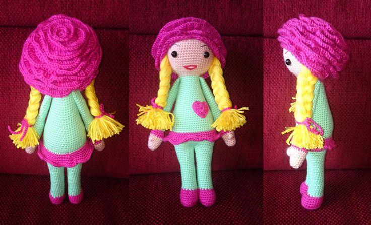 Rose Roxy doll modification made by Miriam Z S - crochet pattern by Zabbez