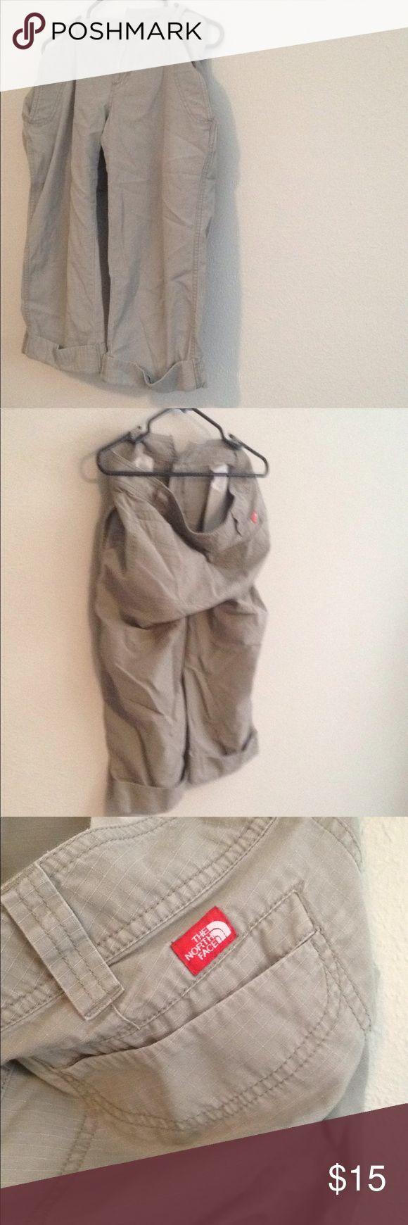 Women's khaki capris Wonderful pair of women's North Face capris with hook clasps in excellent condition The North Face Pants Capris