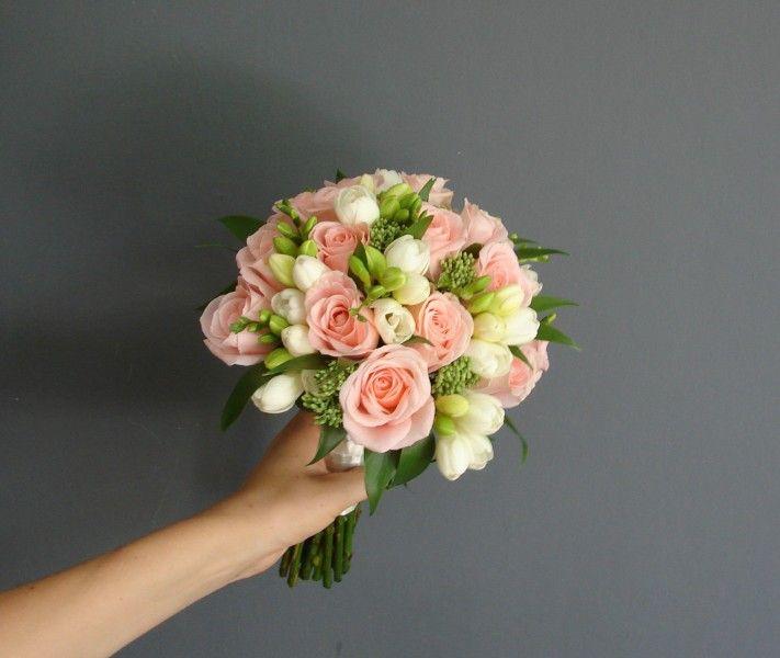 Bukiet ślubny Justyny z różą i frezją
